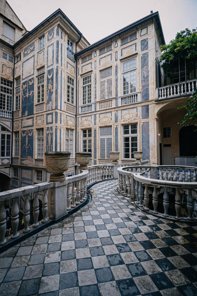 Дворец Николосио Ломеллино на улице Гарибалди в Генуе