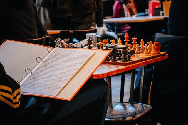 Писатель в кафе в Триесте