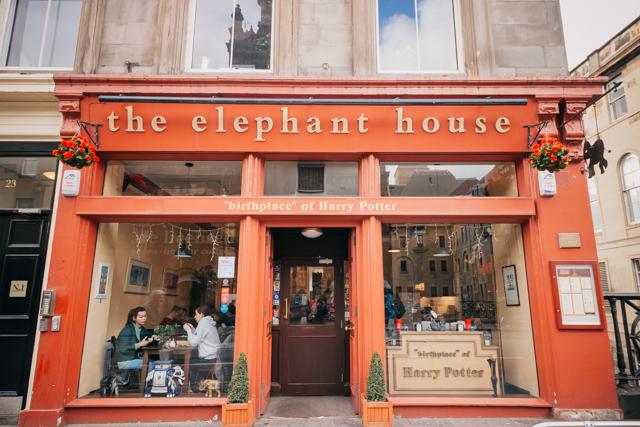 Кафе, в котором Джоан Роулинг писала Гарри Поттера в Эдинбурге