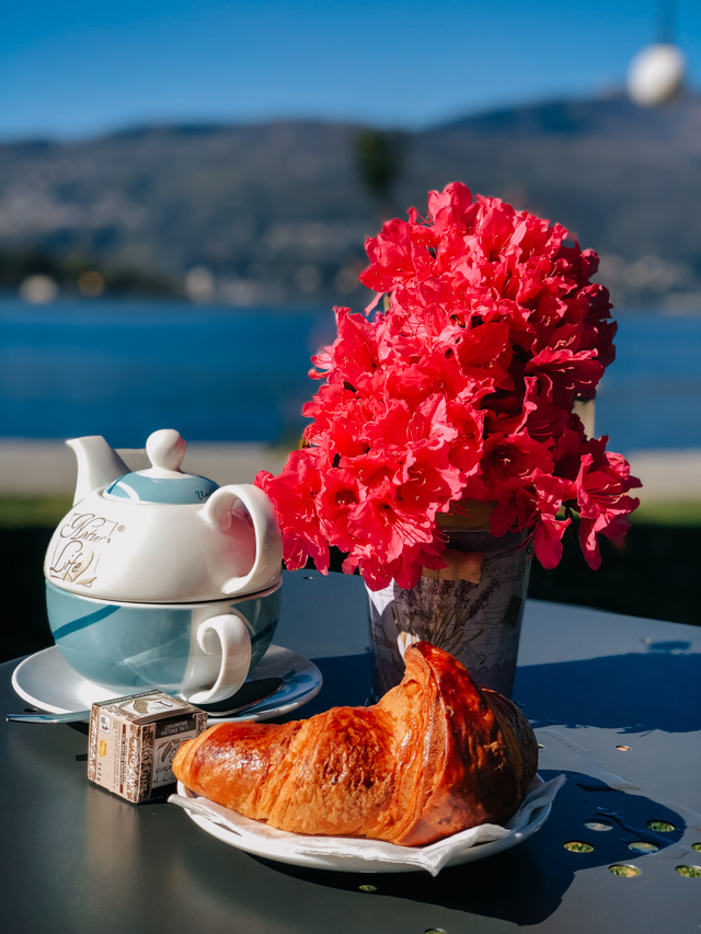 Чай на берегу озера Маджоре