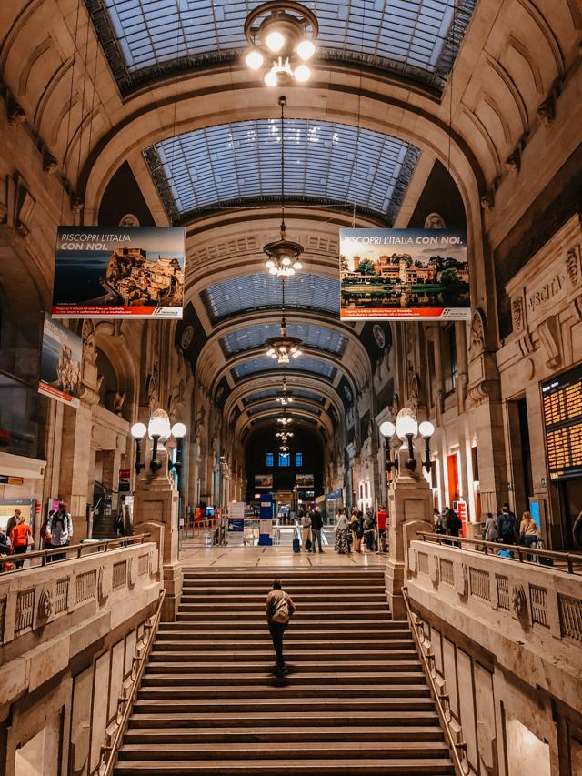 один из холов центрально вокзала Милана